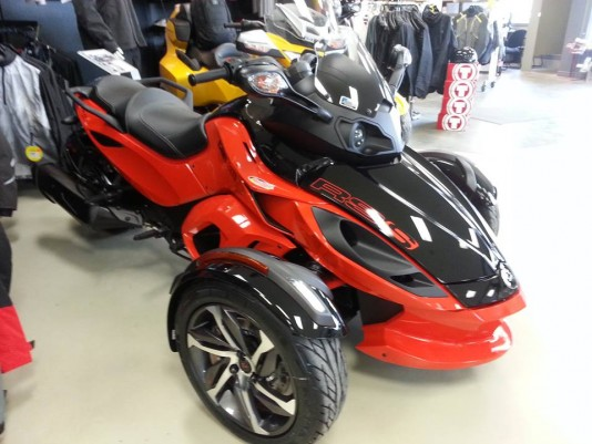 Can-am Roadster Spyder RS-S rouge neuf 2014 –LIQUIDATION–