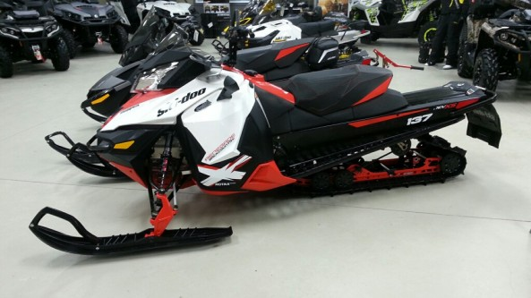 "SKi-doo Renegade x 800etec ""backcountry"" 2014 15281a"